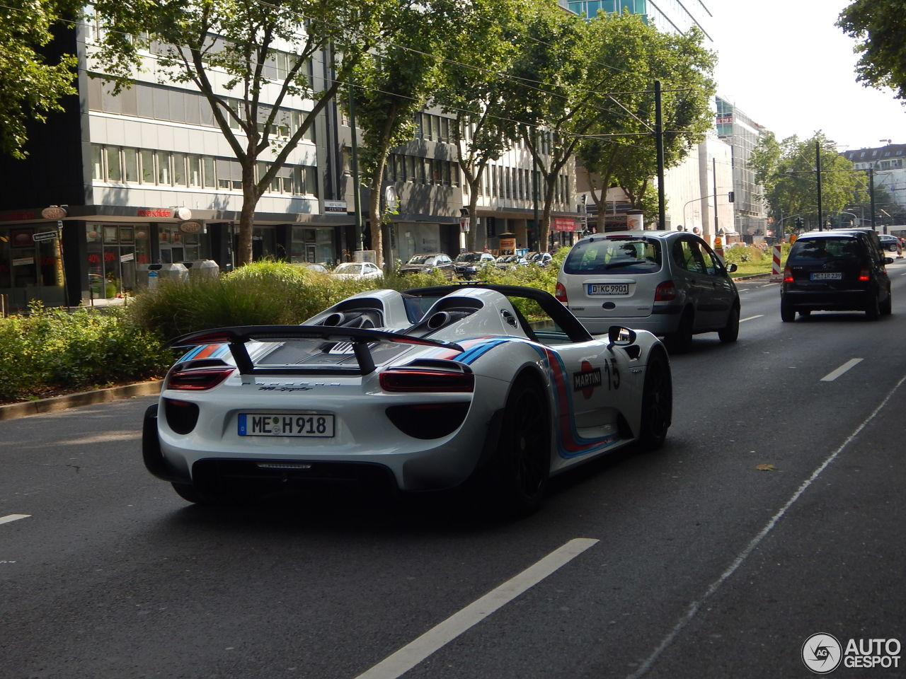 Porsche 918 Spyder Weissach Package 6