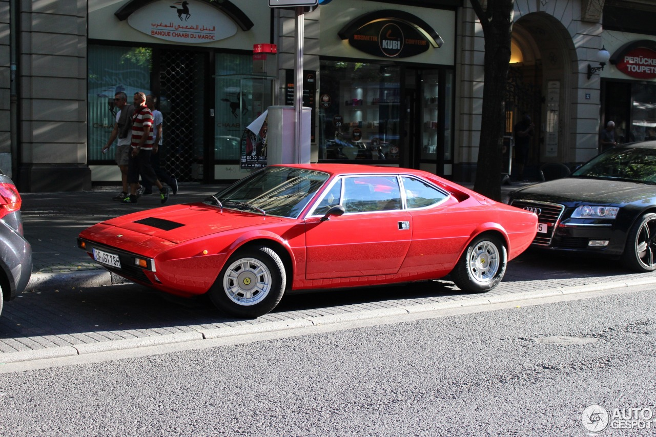 Ferrari Dino 308 GT4 2