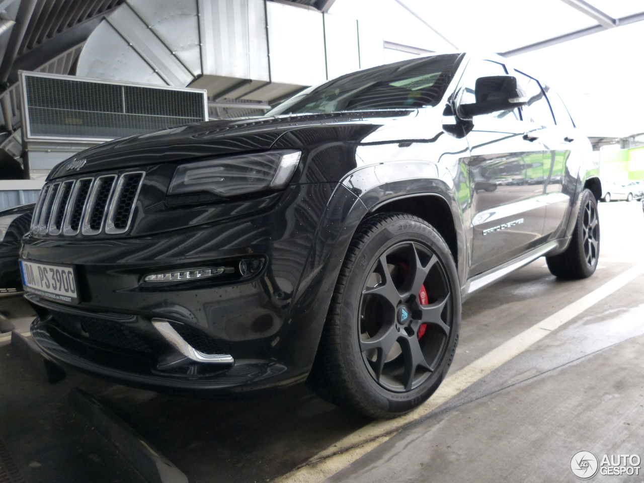 Jeep Grand Cherokee SRT-8 2013 5