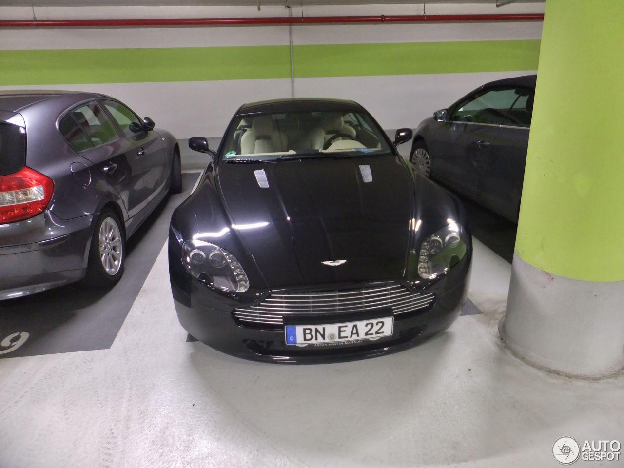 Aston Martin V8 Vantage 1