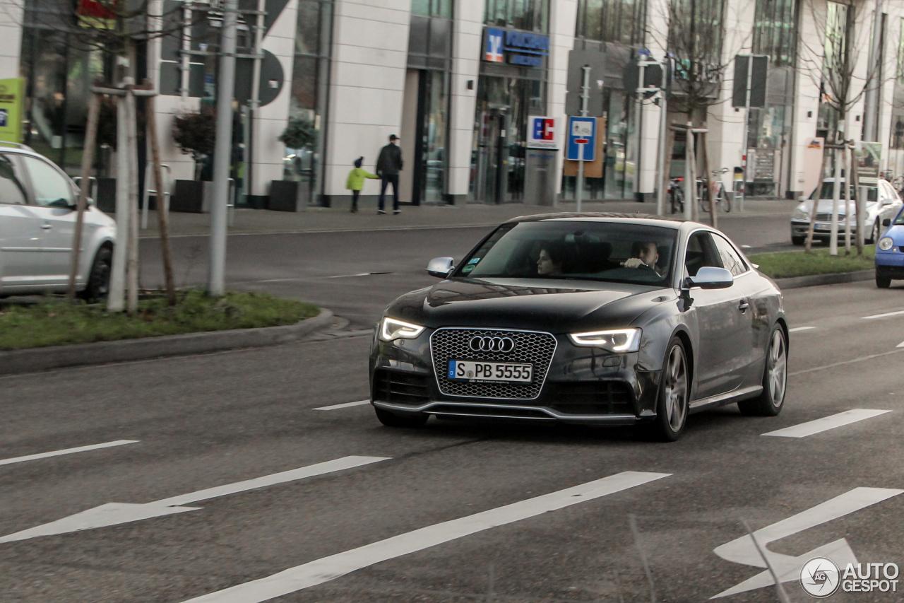 Audi RS5 B8 2012 2