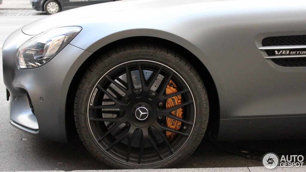 Mercedes-AMG GT S 10