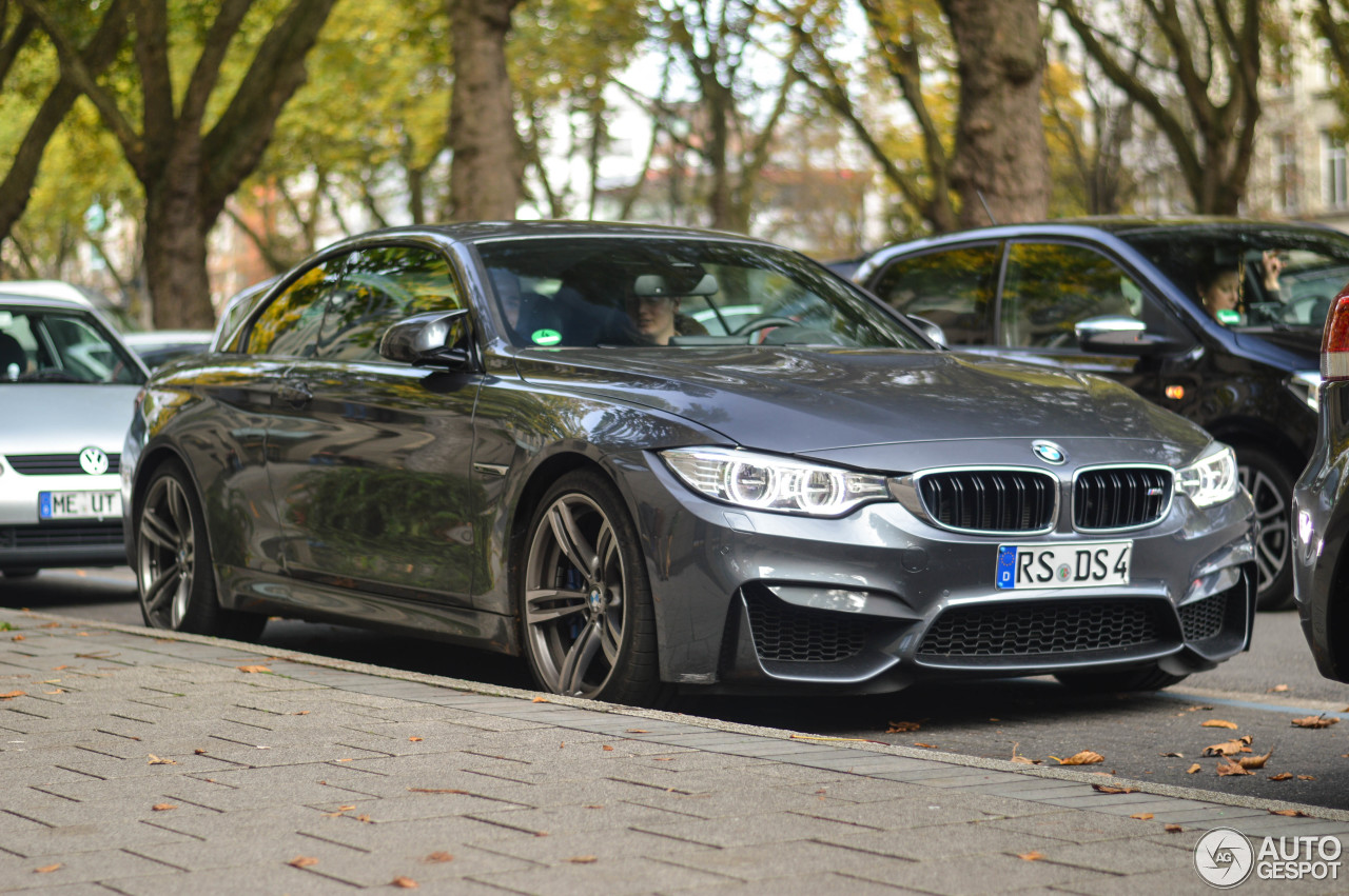 BMW M4 F83 Convertible 1