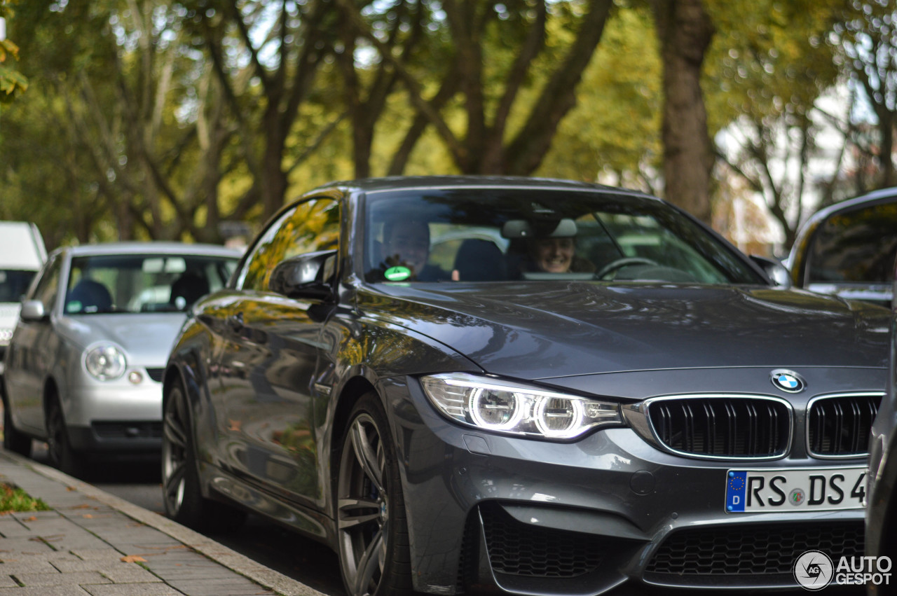 BMW M4 F83 Convertible 3