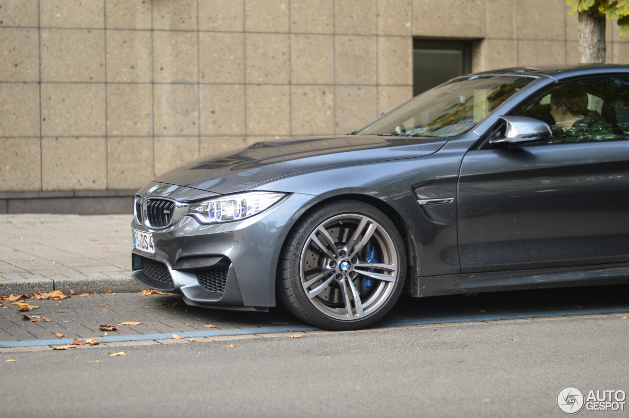 BMW M4 F83 Convertible 4