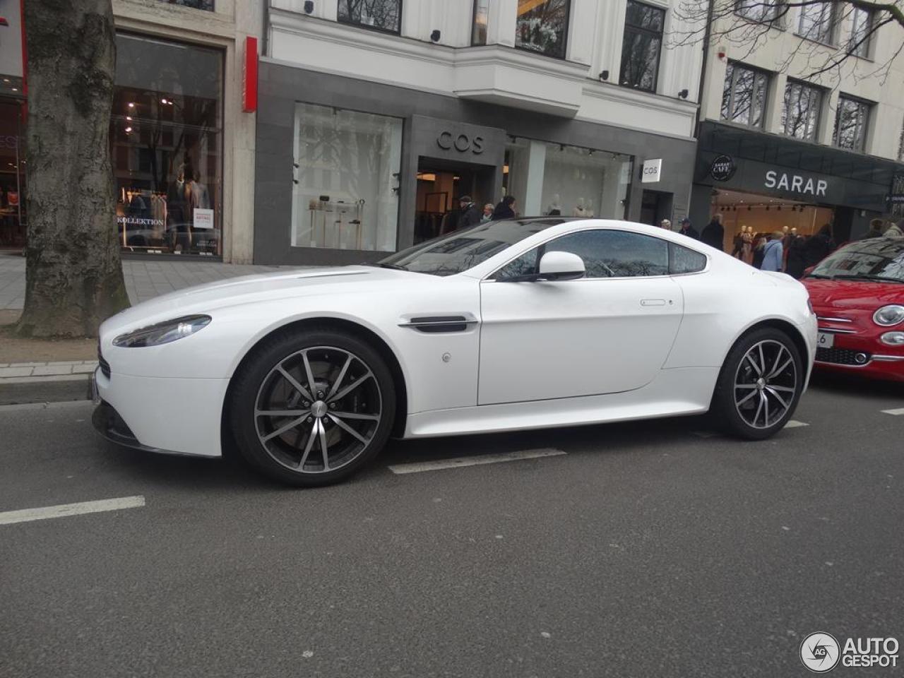 Aston Martin V8 Vantage S 8