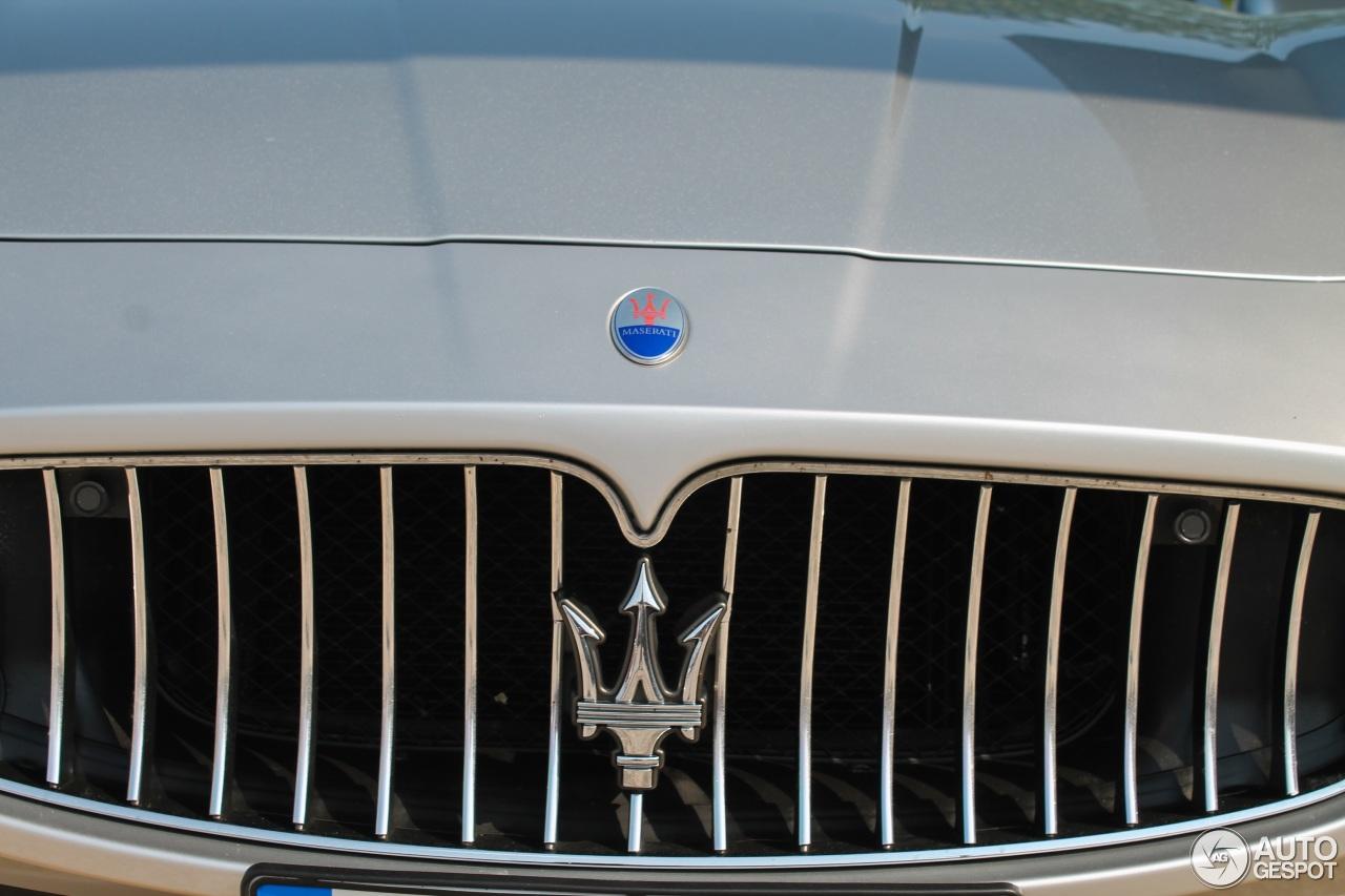 Maserati GranTurismo S Automatic 4