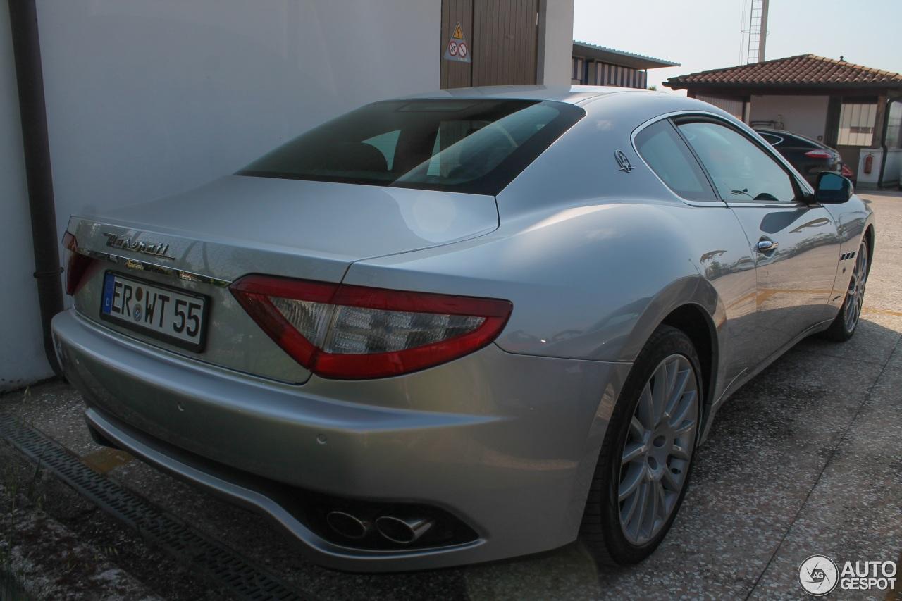 Maserati GranTurismo S Automatic 5