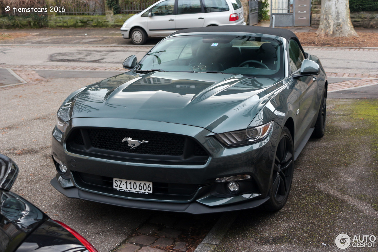 ford mustang gt convertible 2015 16 february 2016 autogespot. Black Bedroom Furniture Sets. Home Design Ideas