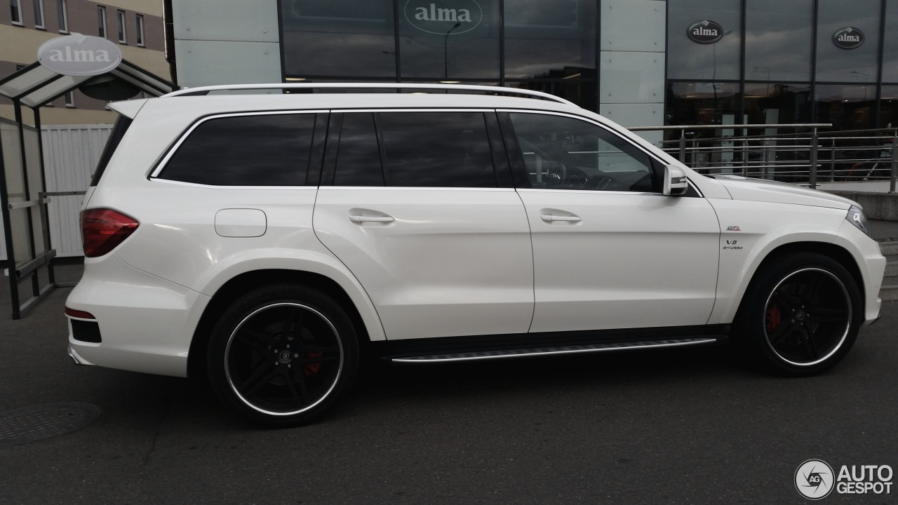 Mercedes gl amg price autos post for Mercedes benz gls 63 amg