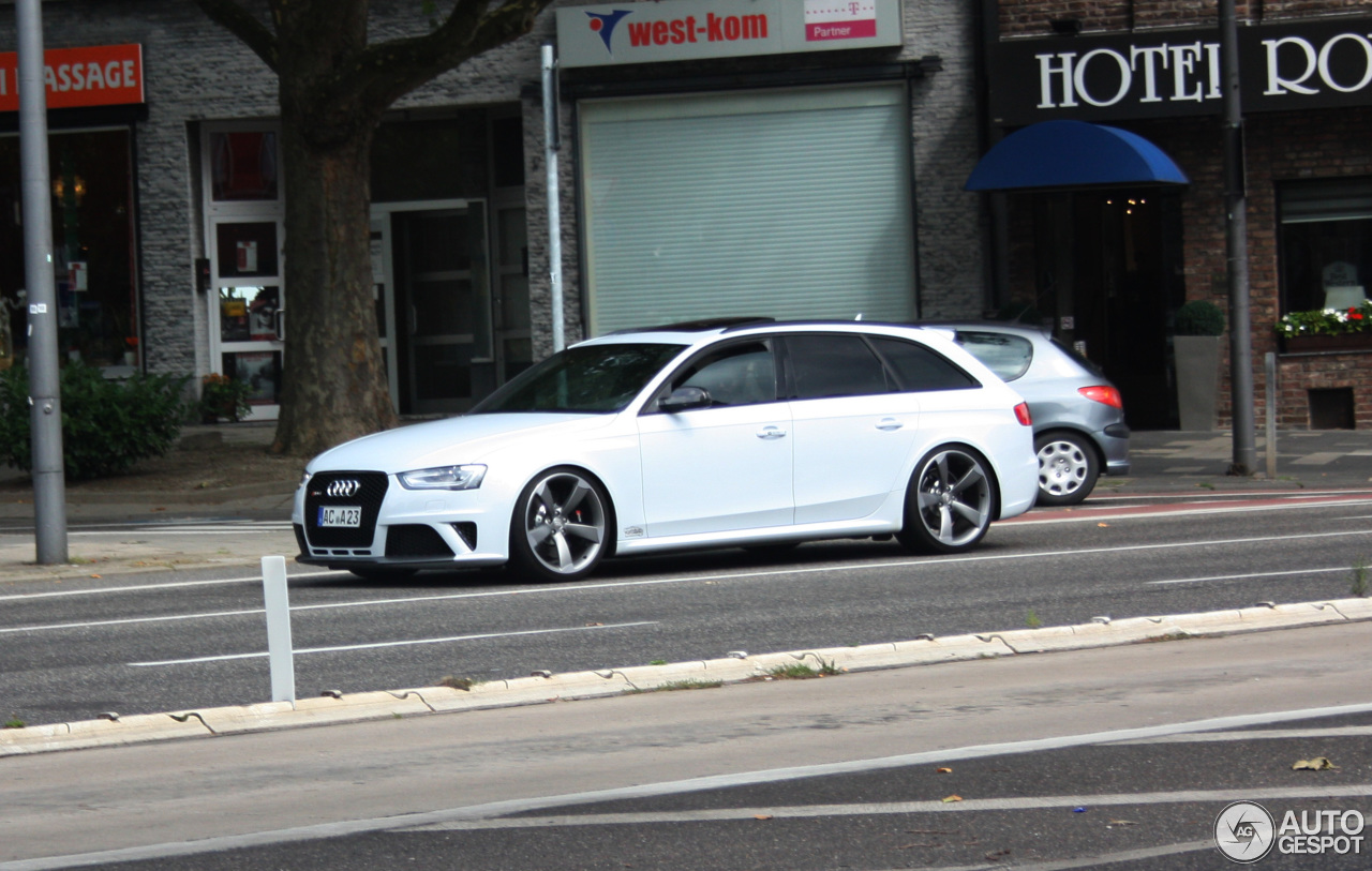 Audi RS4 Avant B8 1