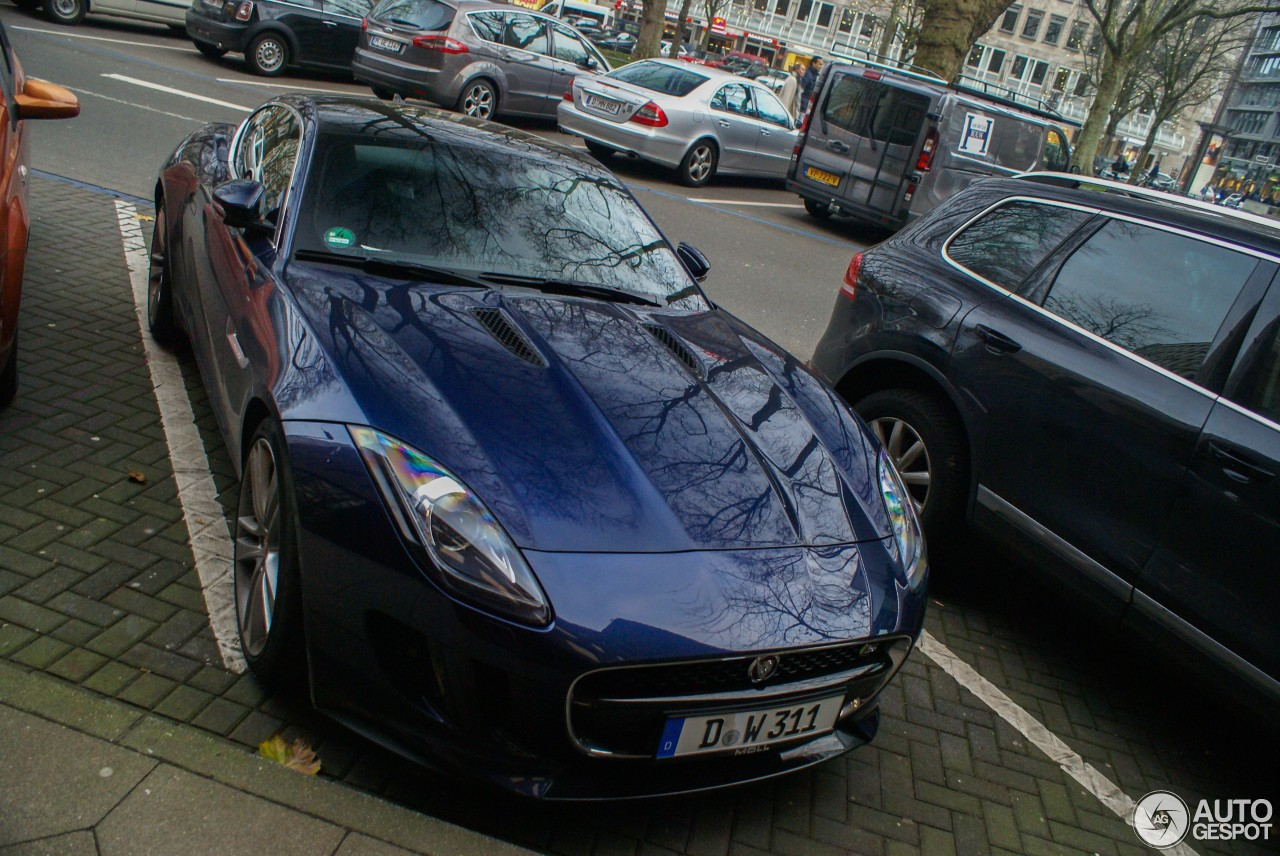 Jaguar F-TYPE S Coupé 2