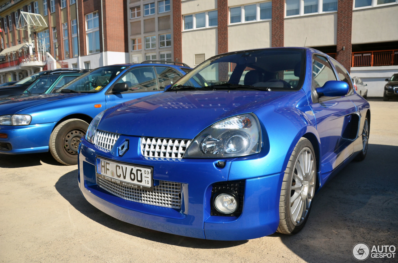 Renault Clio V6 Phase II 3