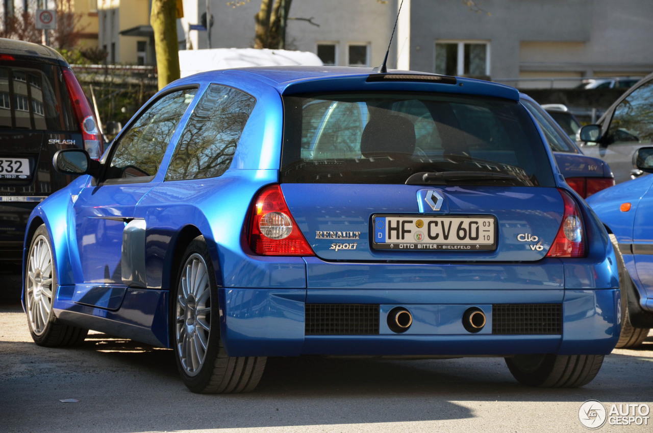 Renault Clio V6 Phase II 4