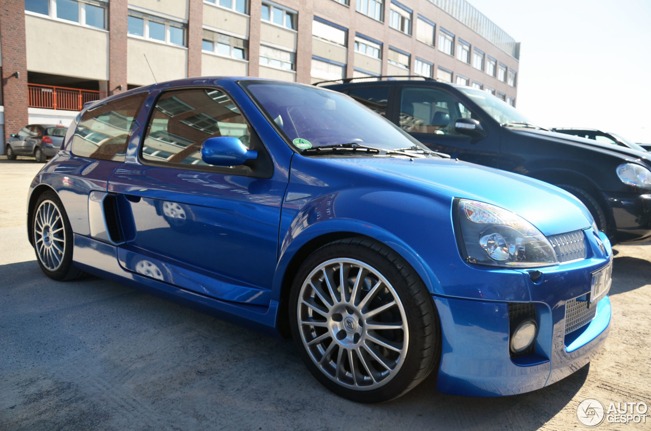 Renault Clio V6 Phase II 5
