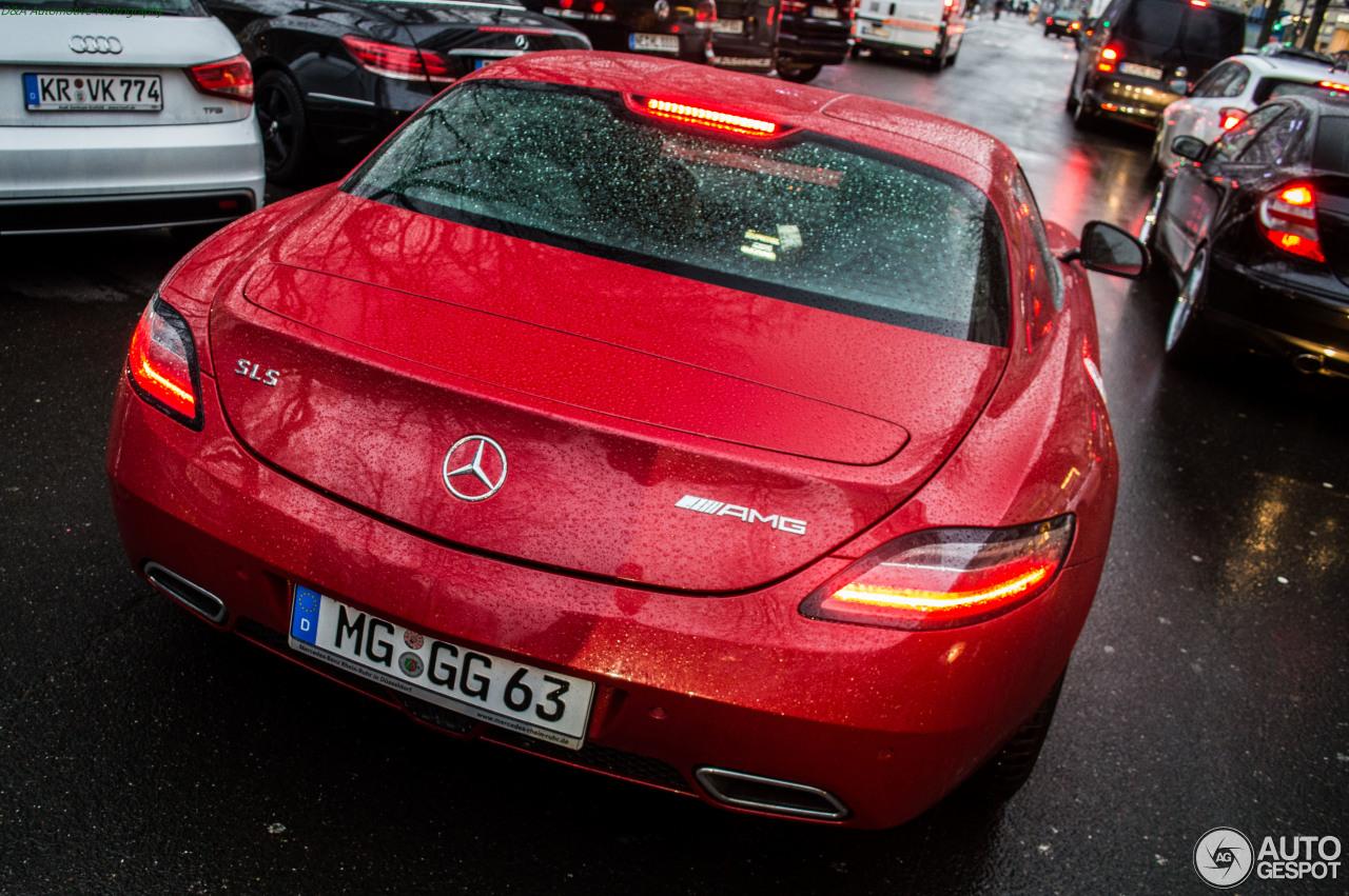 Mercedes-Benz SLS AMG 8