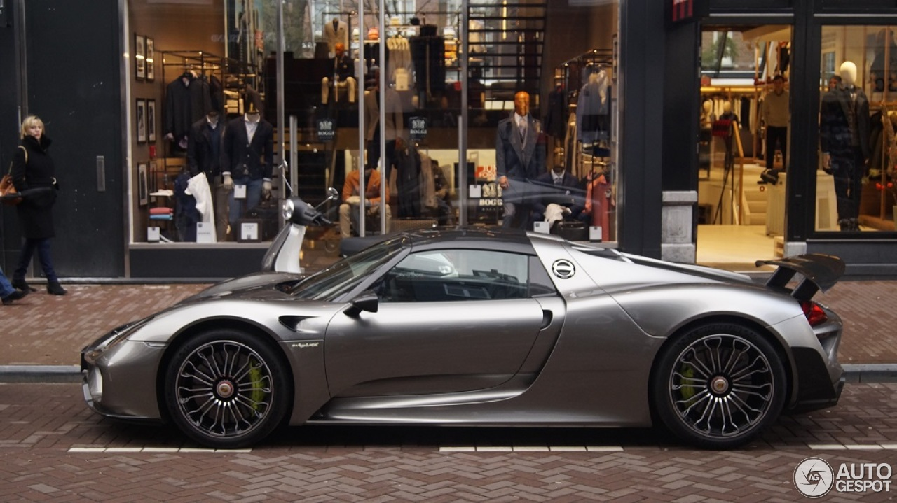 porsche 918 spyder weissach package 23 february 2016 autogespot. Black Bedroom Furniture Sets. Home Design Ideas
