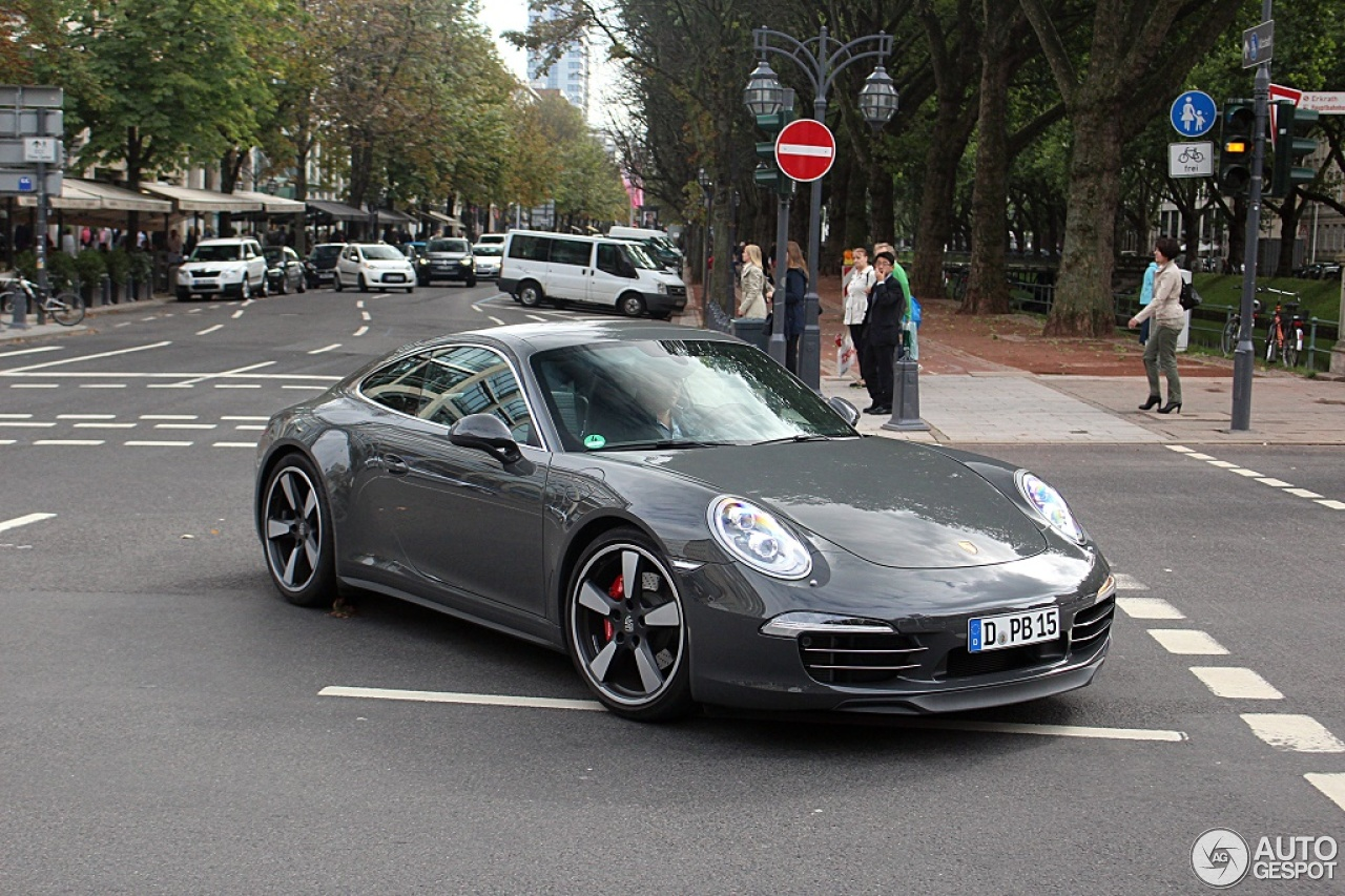 Porsche 991 50th Anniversary Edition 3