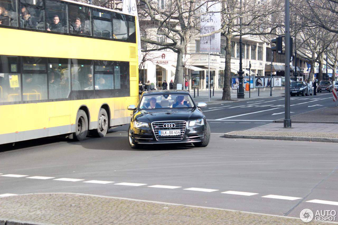 Audi S8 D4 8
