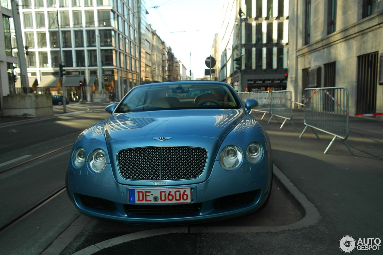 Bentley Continental GTC 3