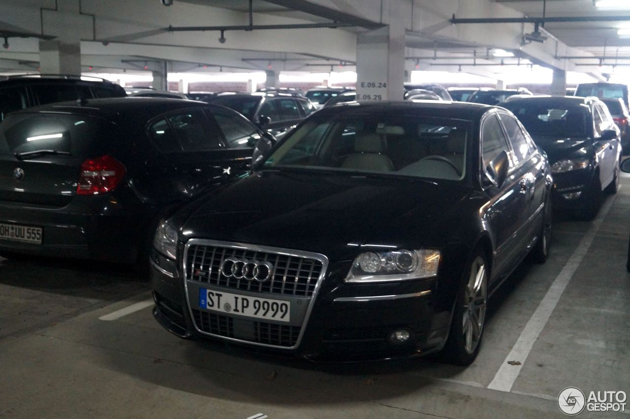 Audi S8 D3 2