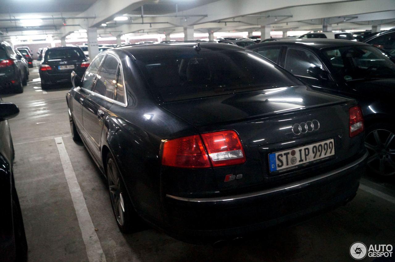 Audi S8 D3 4