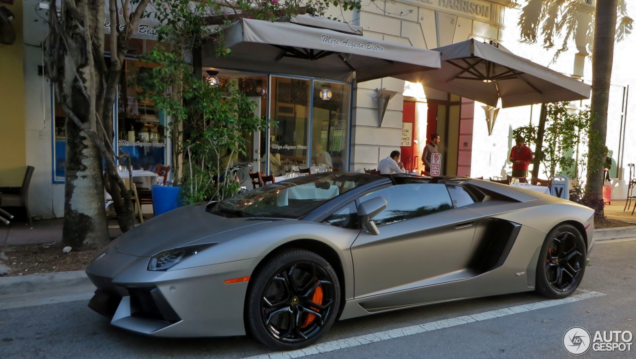 lamborghini aventador lp700 4 roadster 1 march 2016 autogespot. Black Bedroom Furniture Sets. Home Design Ideas