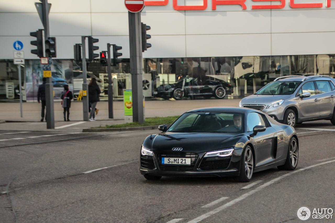 Audi R8 2013 1