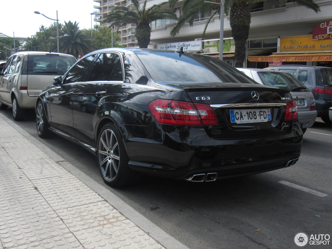 mercedes benz e 63 amg w212 v8 biturbo 3 march 2016 autogespot. Black Bedroom Furniture Sets. Home Design Ideas
