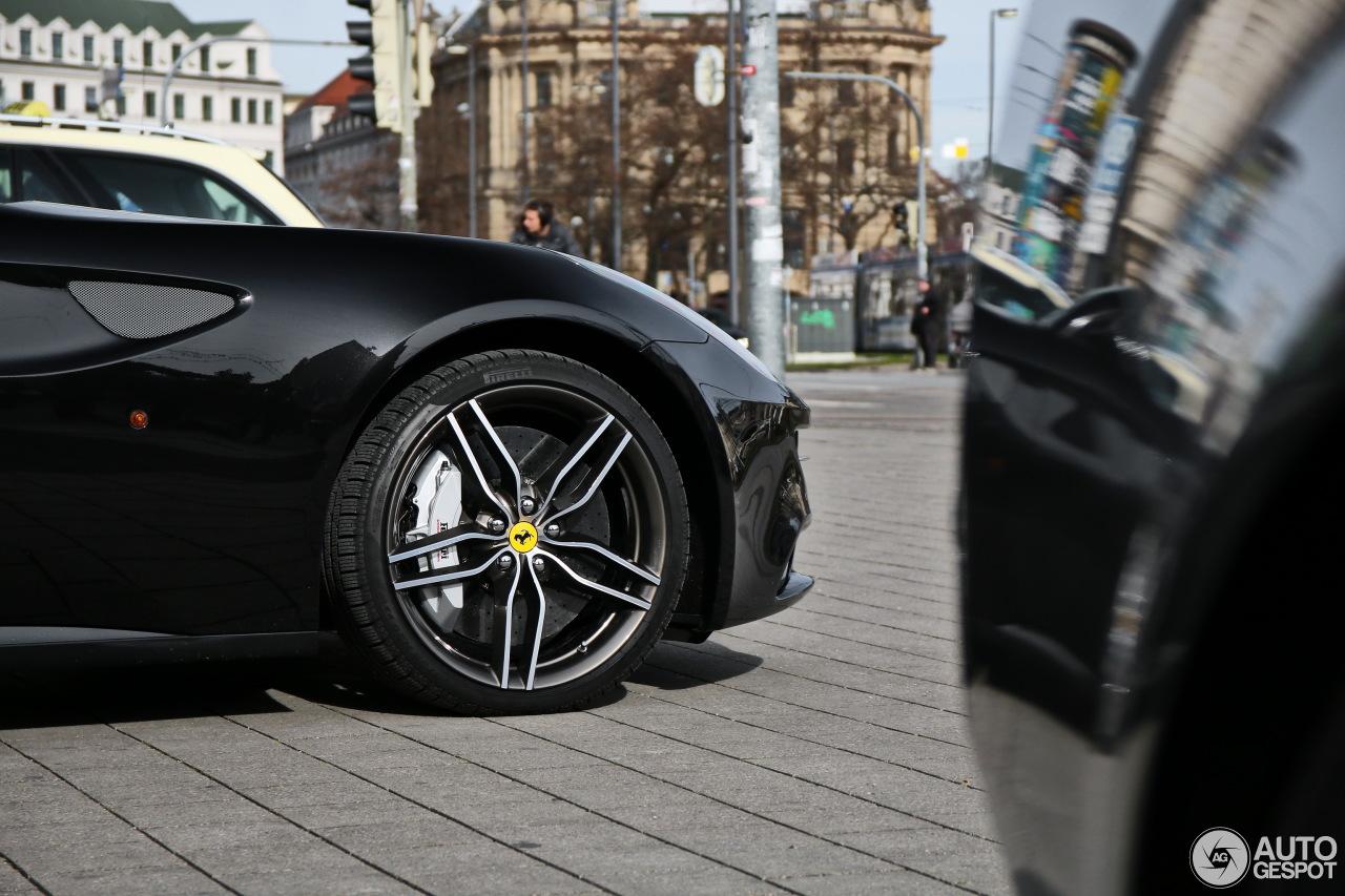 Ferrari FF 6