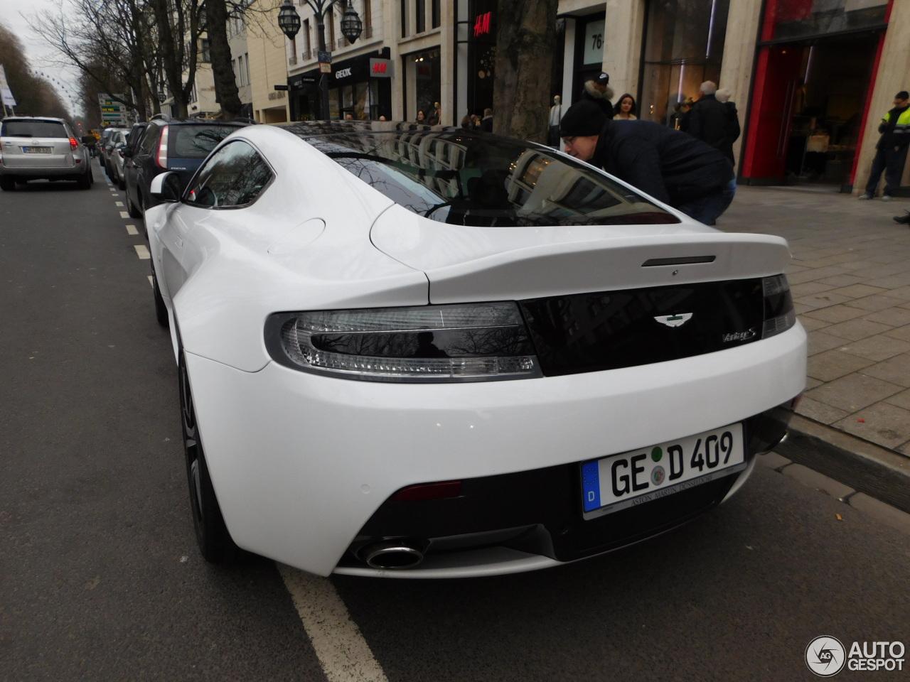Aston Martin V8 Vantage S 7