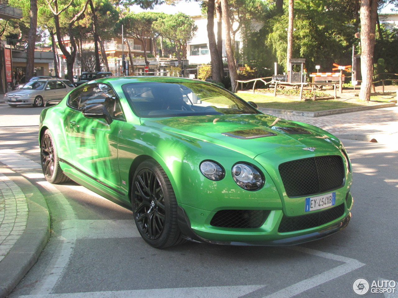 bentley continental gt3 r 5 march 2016 autogespot. Black Bedroom Furniture Sets. Home Design Ideas