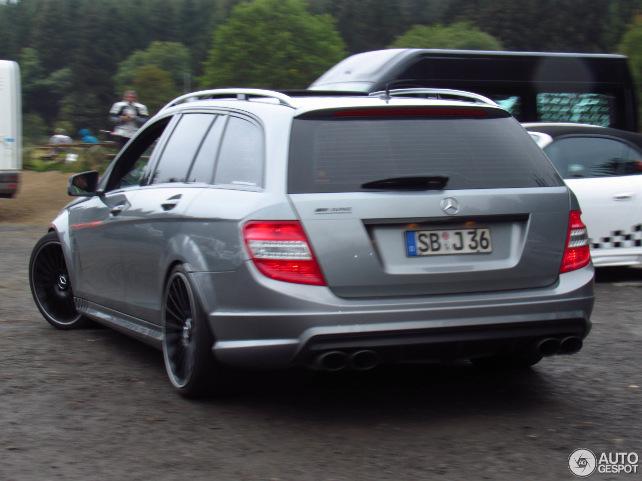 Mercedes-Benz C 63 AMG Estate 2