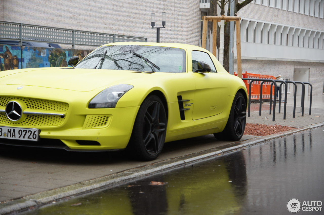 Mercedes benz sls amg electric drive 5 march 2016 for Mercedes benz sls amg electric drive price