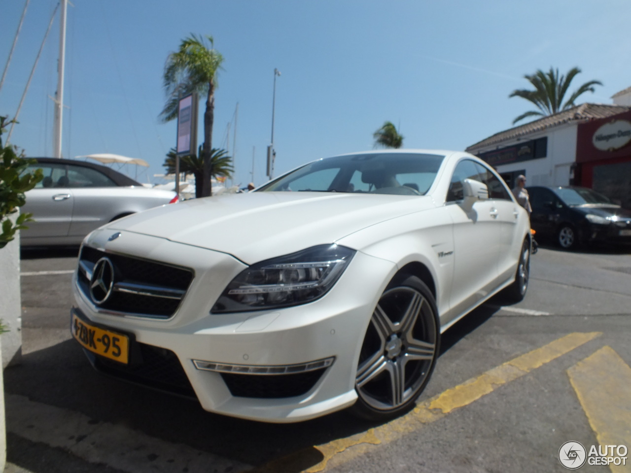 mercedes benz cls 63 amg c218 6 mrz 2016 autogespot. Black Bedroom Furniture Sets. Home Design Ideas