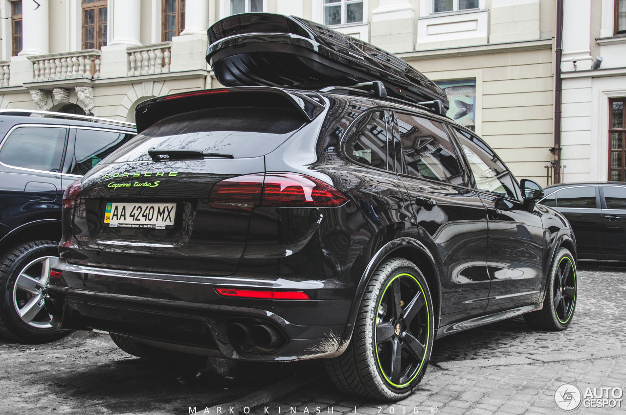 porsche 958 cayenne turbo s mkii 7 mars 2016 autogespot. Black Bedroom Furniture Sets. Home Design Ideas