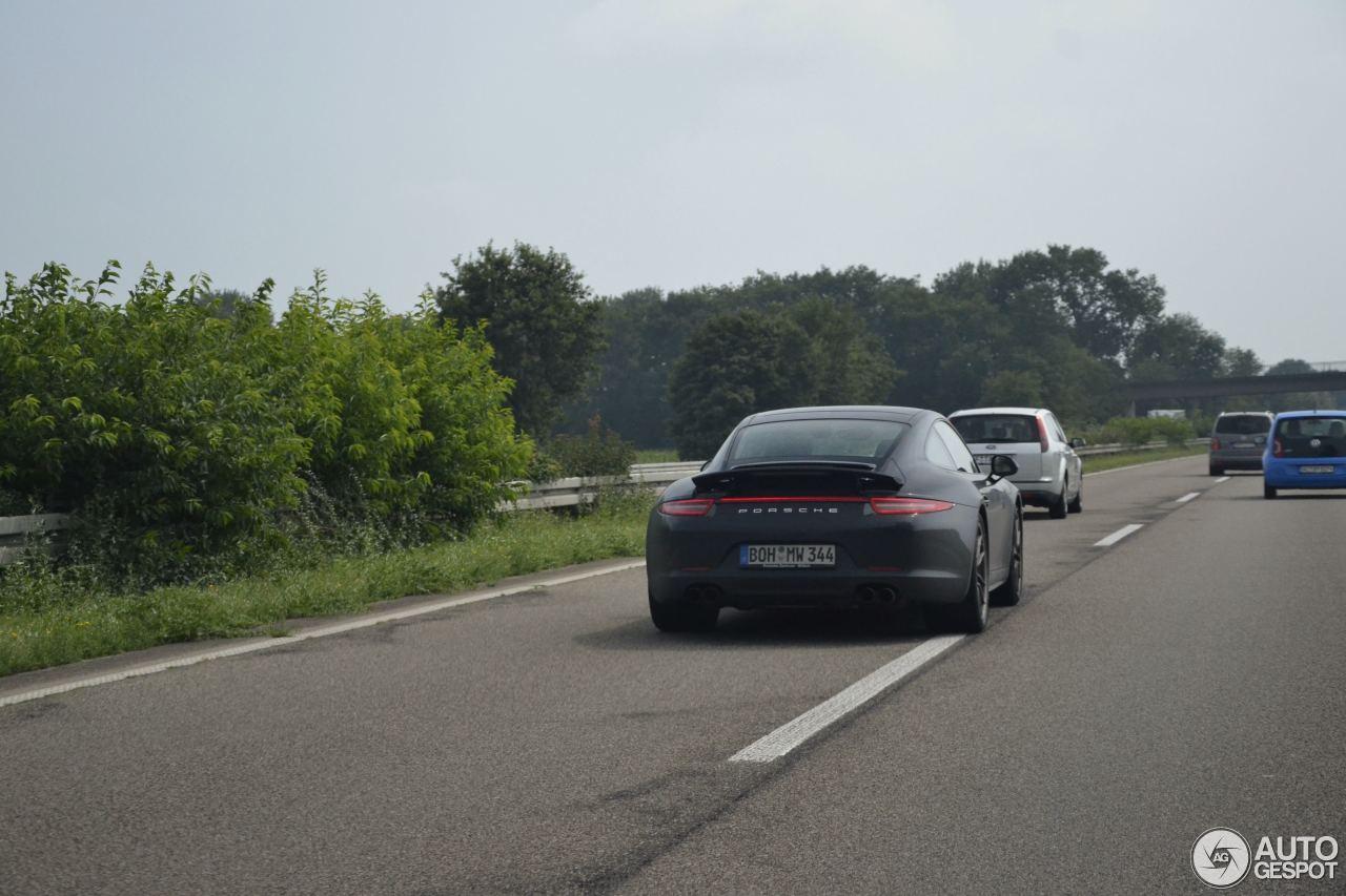 Porsche 991 Carrera 4S 4