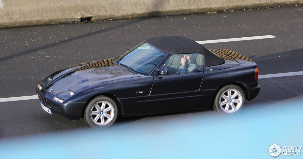bmw z1 11 march 2016 autogespot. Black Bedroom Furniture Sets. Home Design Ideas