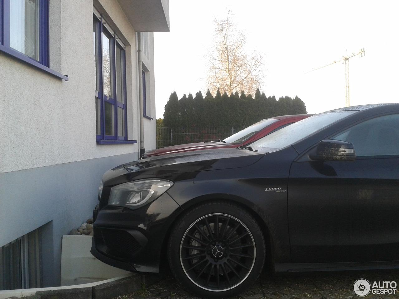 Mercedes-Benz CLA 45 AMG C117 3