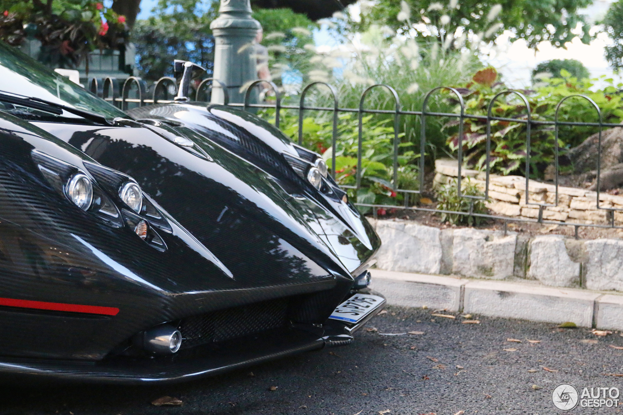 pagani zonda prijs with 11 on 01 likewise 10 Duurste Autos Ter Wereld 2010 together with 30 together with 11 besides 12.