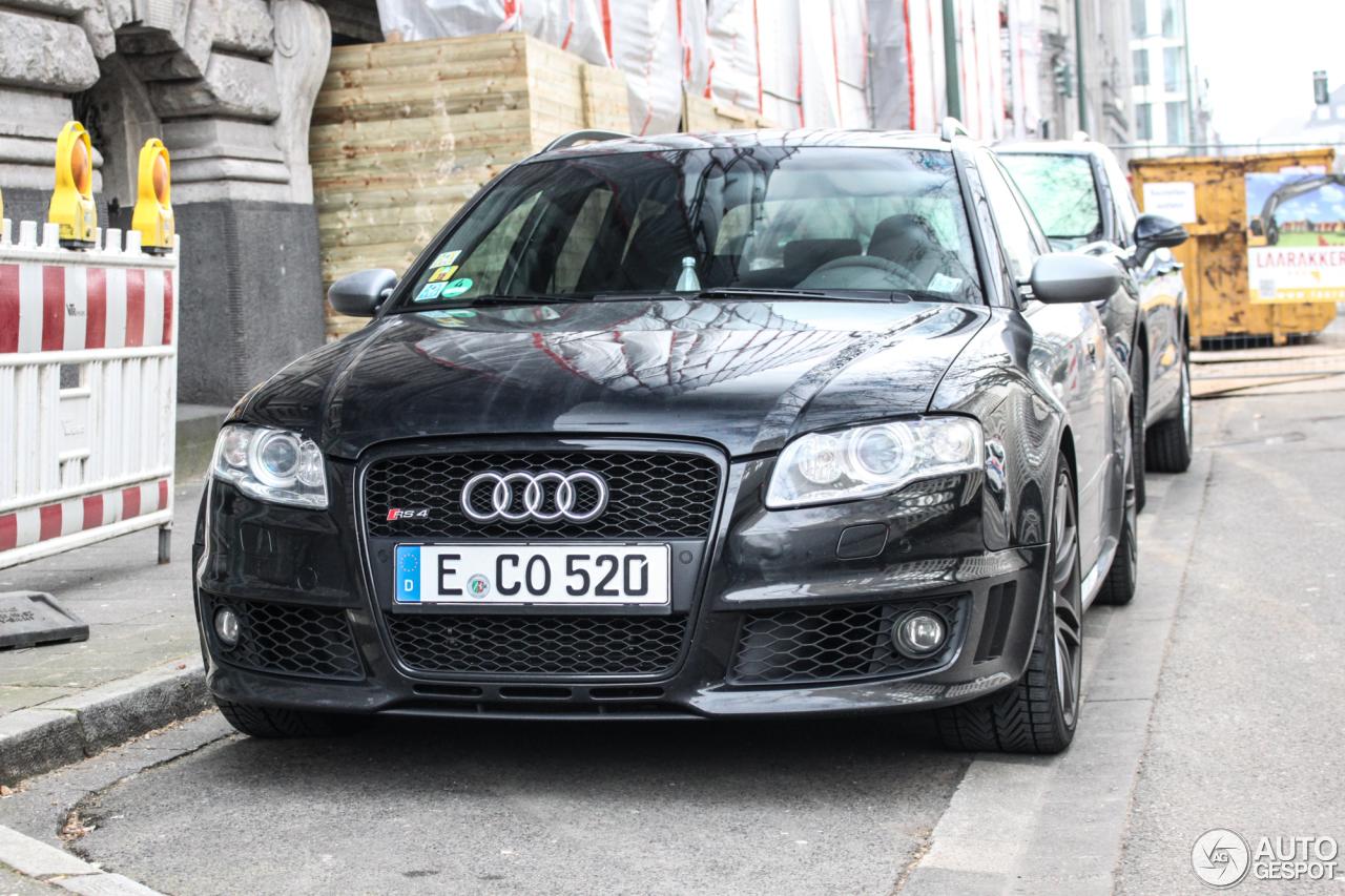 Audi RS4 Avant B7 1