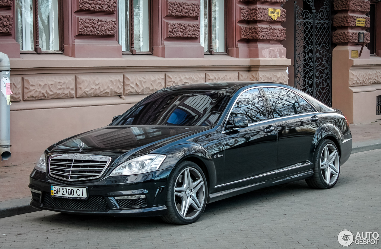 Mercedes benz s 63 amg w221 2010 13 march 2016 autogespot for 2010 mercedes benz s63 amg