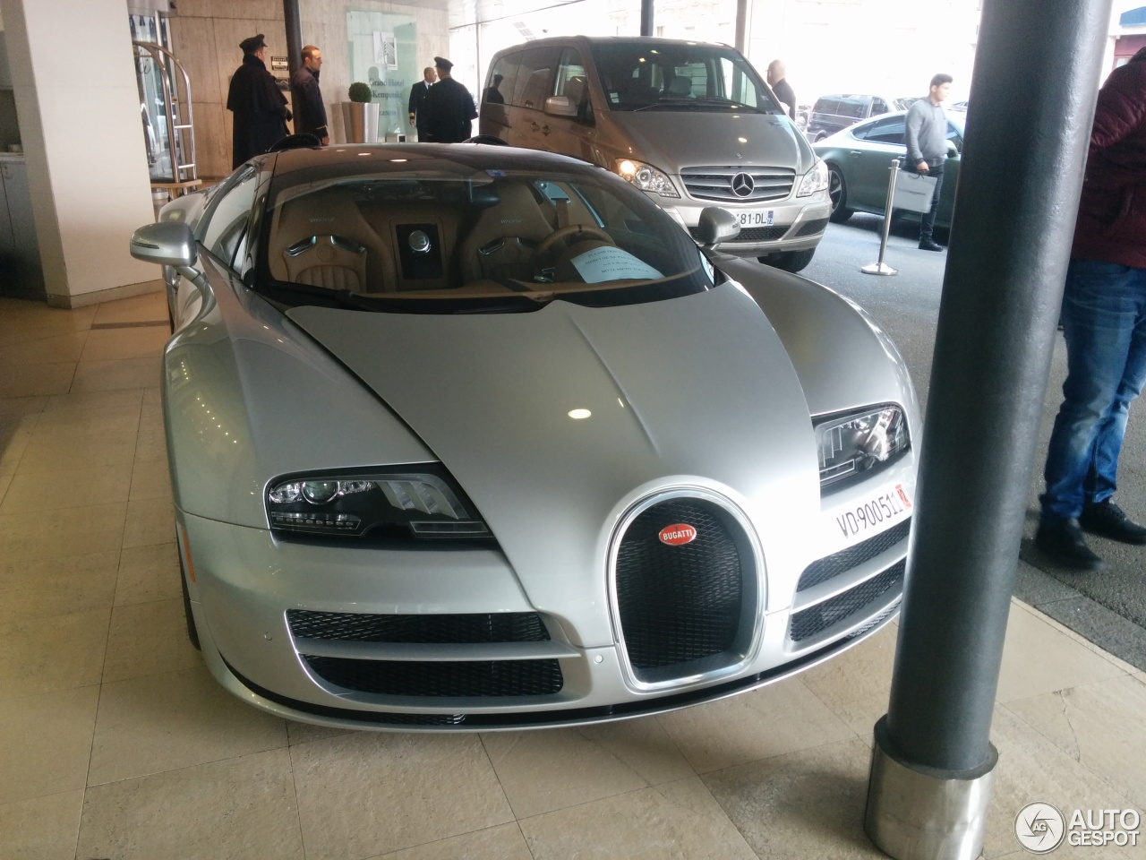 bugatti veyron 16 4 grand sport vitesse 14 march 2016 autogespot. Black Bedroom Furniture Sets. Home Design Ideas