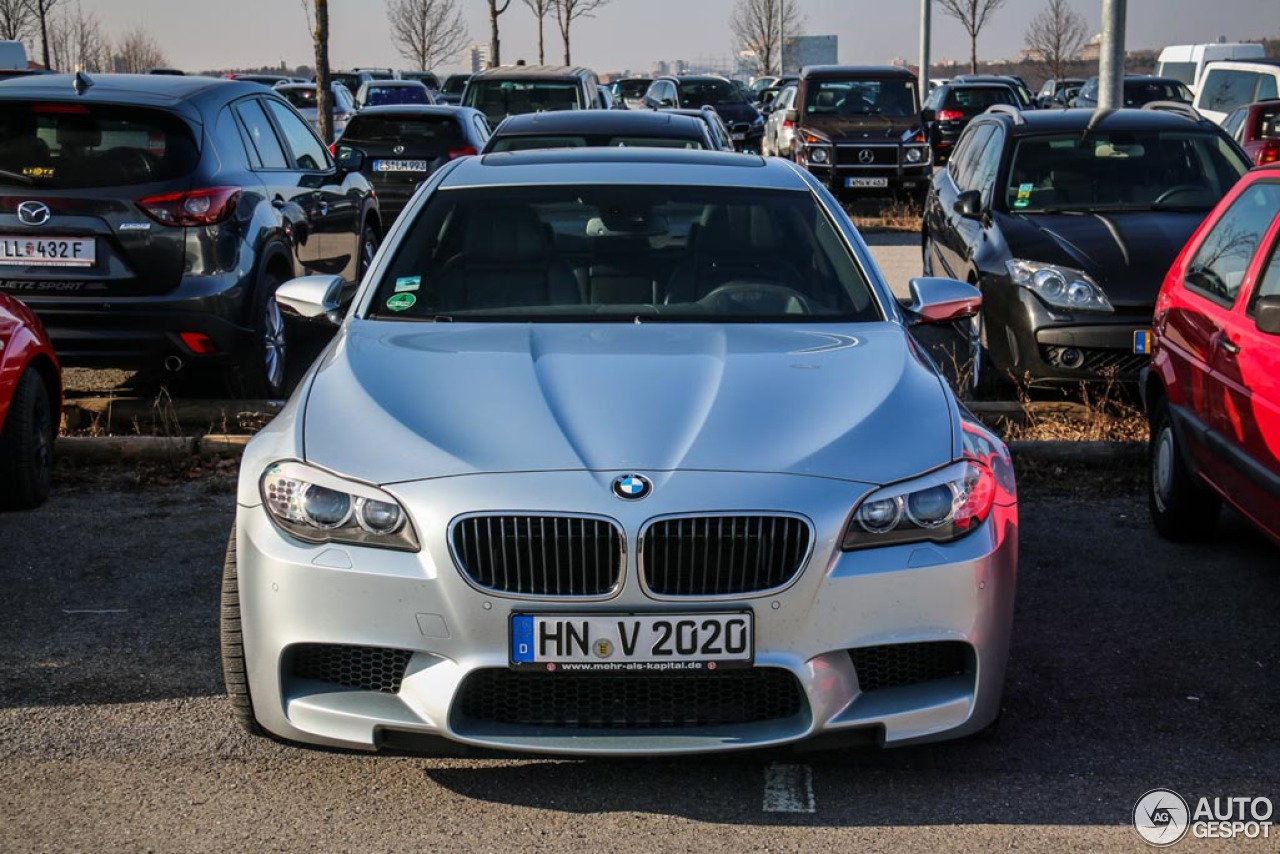 BMW M5 F10 2011 3