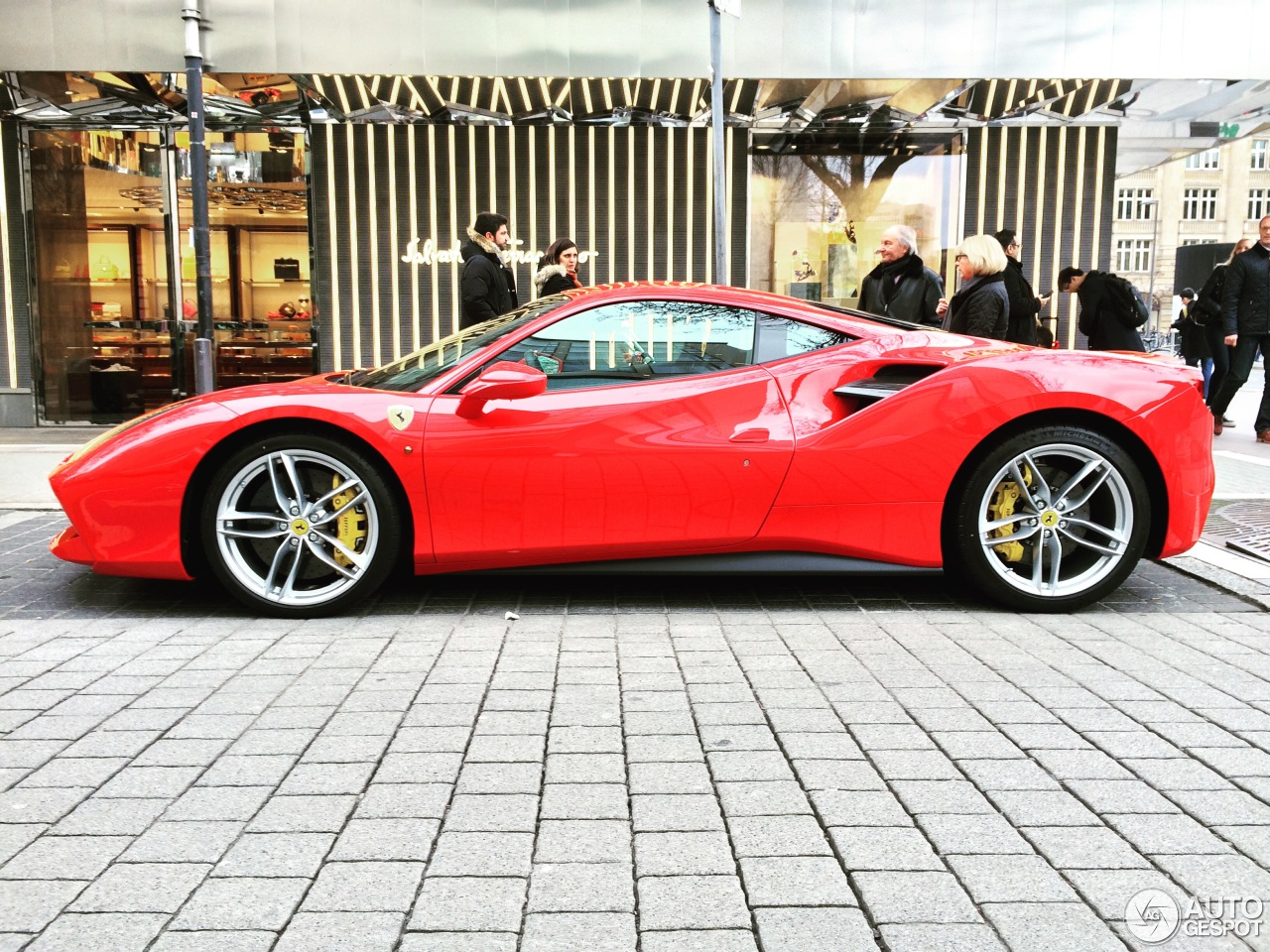 ferrari 488 gtb 19 march 2016 autogespot. Black Bedroom Furniture Sets. Home Design Ideas