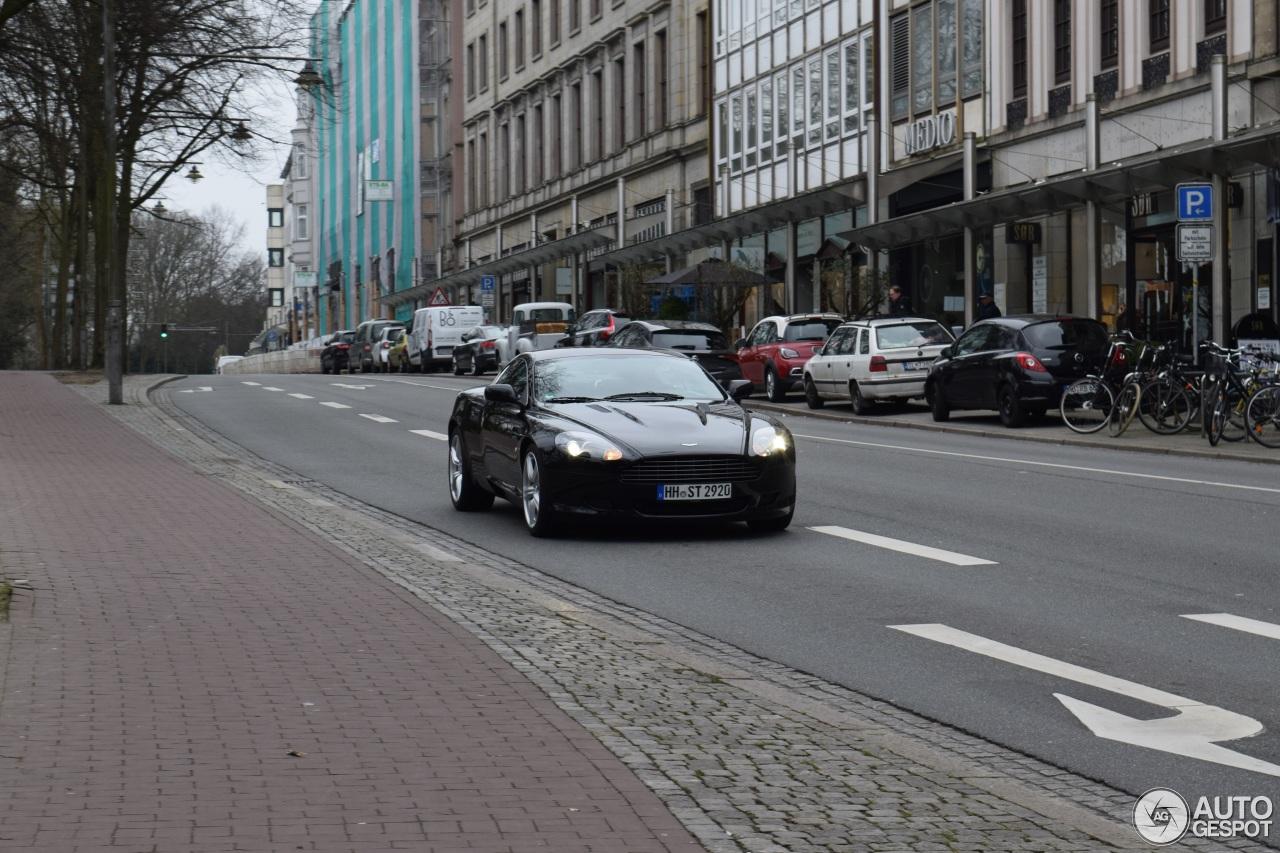 Aston Martin DB9 1