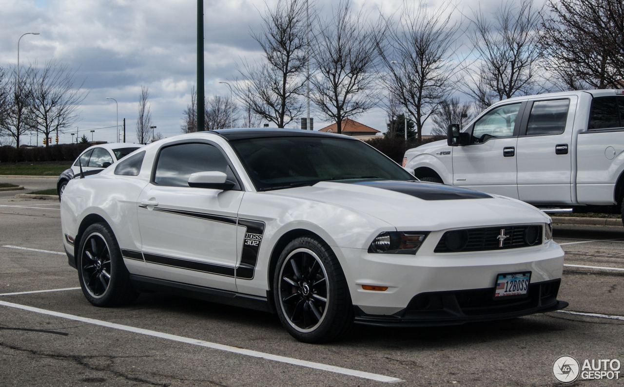 ford mustang boss 302 2010 23 march 2016 autogespot. Black Bedroom Furniture Sets. Home Design Ideas