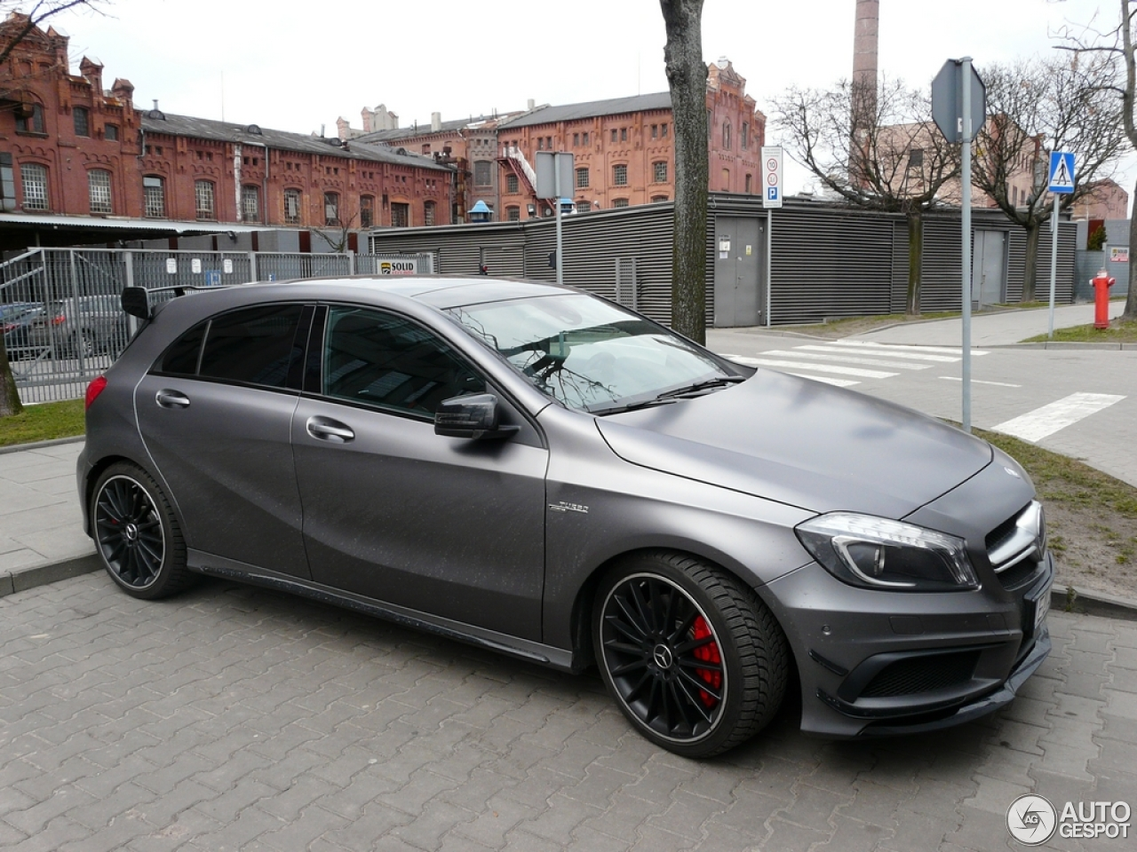 Mercedes benz a 45 amg 25 march 2016 autogespot for Mercedes benz a 45