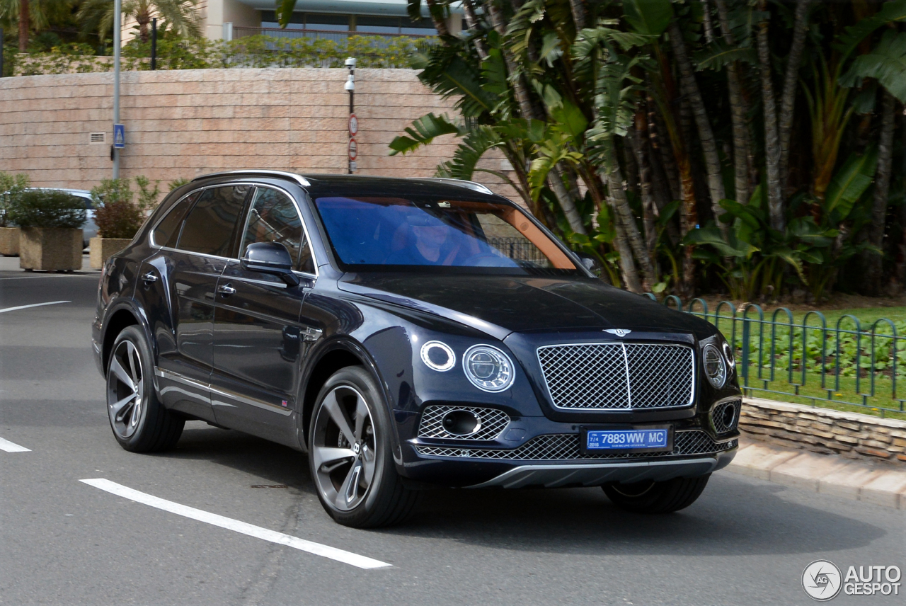 bentley bentayga 31 march 2016 autogespot. Black Bedroom Furniture Sets. Home Design Ideas