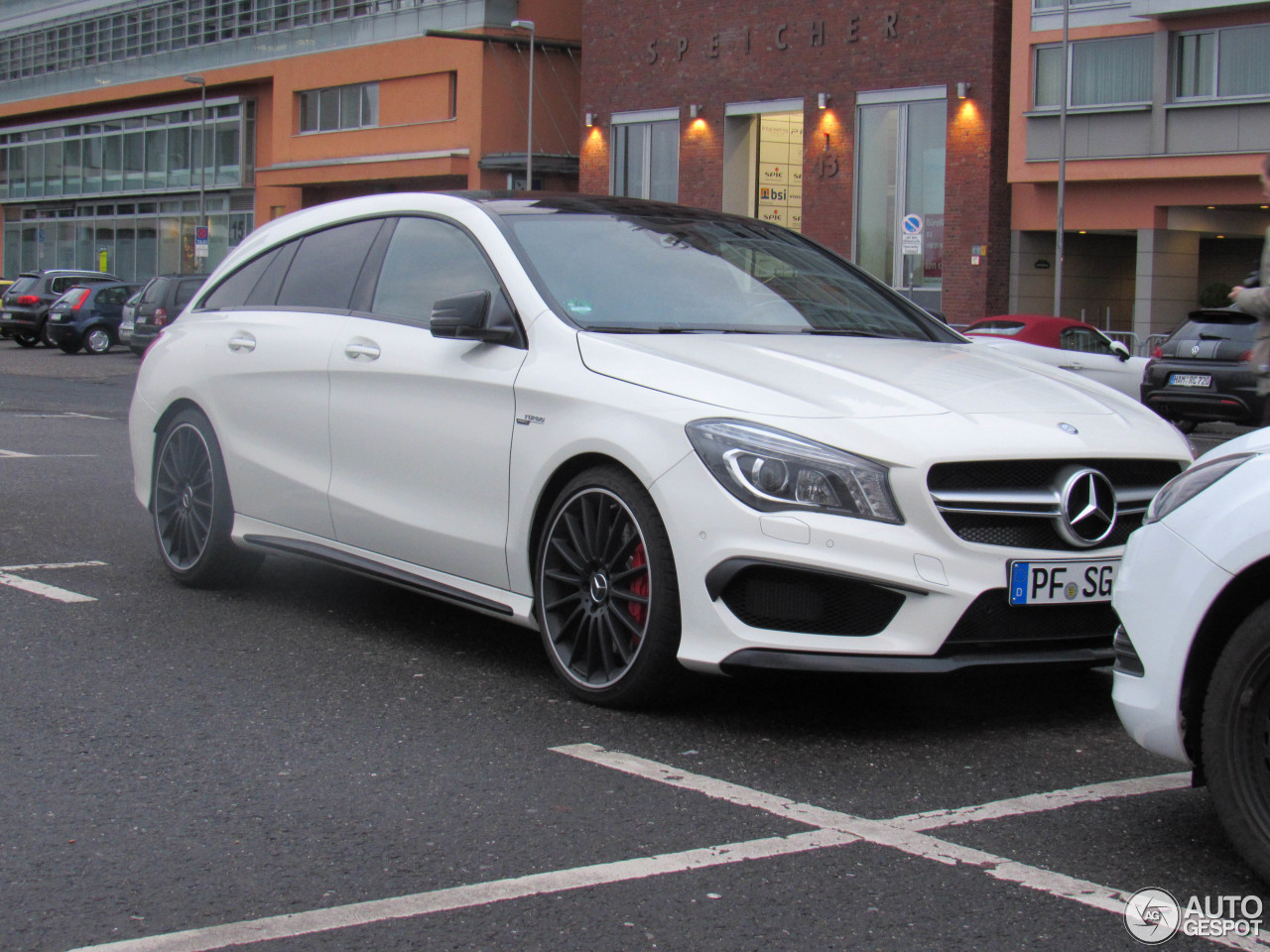 mercedes amg cla 45 shooting brake x117 31 march 2016. Black Bedroom Furniture Sets. Home Design Ideas